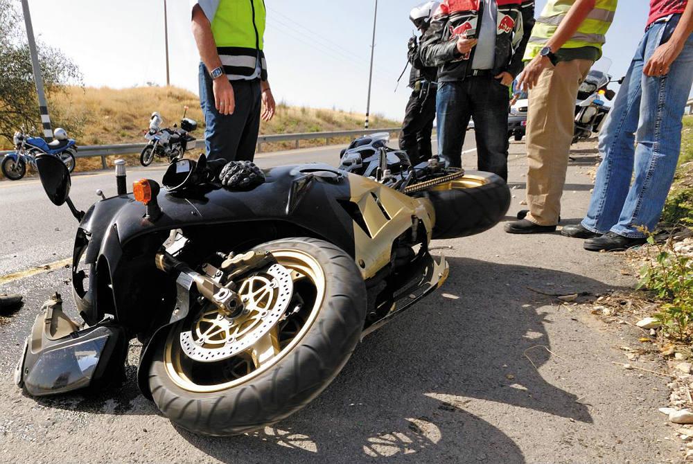 Los Mejores Abogados en Español Para Mayor Compensación en Casos de Accidentes de Moto en Chicago IL